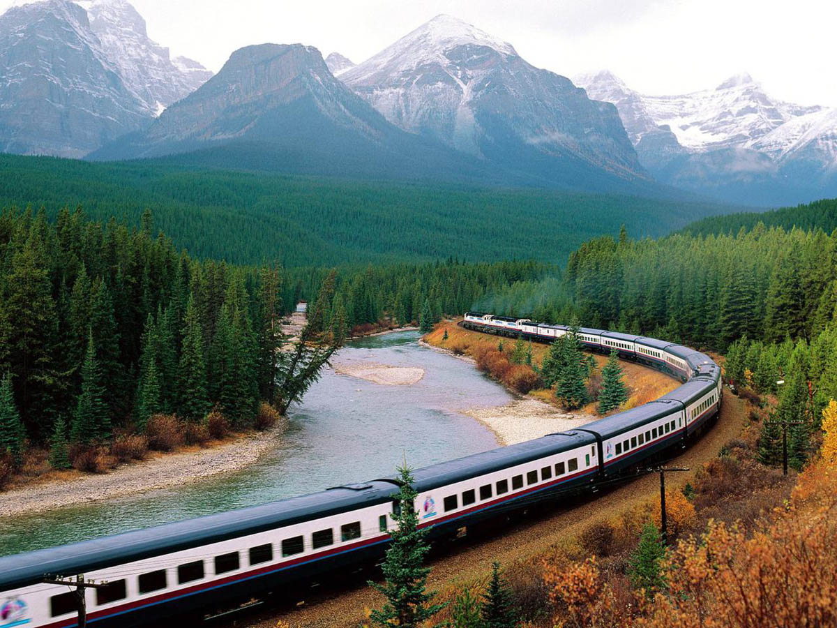5 reasons to explore a new country by rail