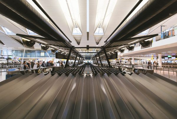 Use this travel hack next time you're at a luggage carousel