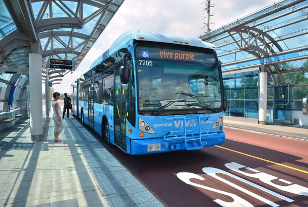 Ridign the Bus Rapid Transit system in Ontario